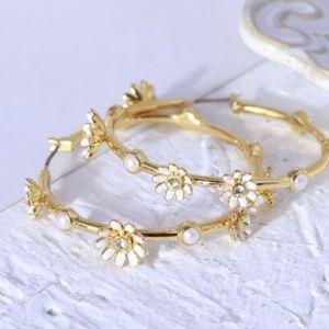 Kate Spade Earring Loves Me Knot Gold Flower Hoops